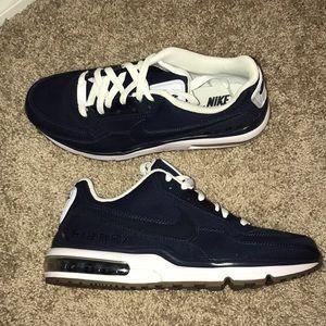 NWOT Nike Air Max